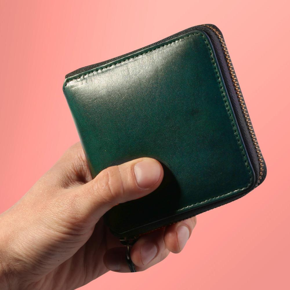 Paulin Square Wallet in vegetable tanned green leather, sourced from the Tempesti tannery in Italy