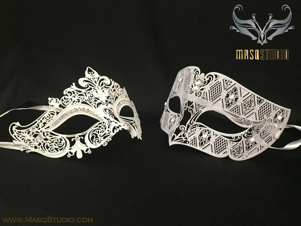 Luxury Venetian Couple White Stacy Masquerade Mask Set