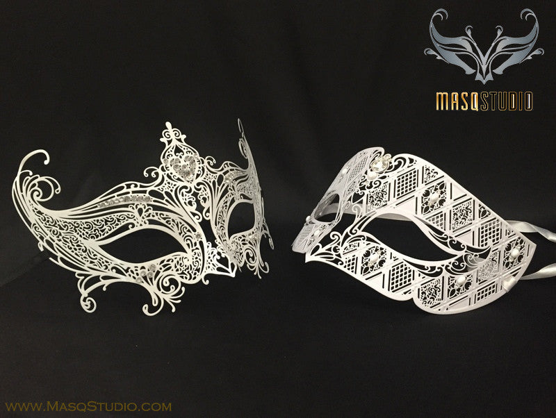Luxury Venetian Couple Serena White Masquerade Mask Set