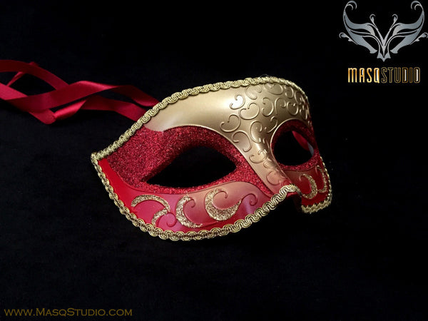 Men's Gold Masquerade ball eye mask