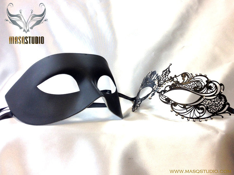Luxury Venetian Couple Chloe Black Masquerade Mask Set