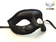 Black Masquerade mask for Man