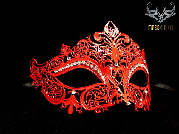 Stacy keiblers mask Red