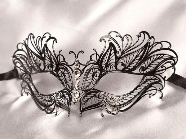 Filigree metal princess eye mask Black