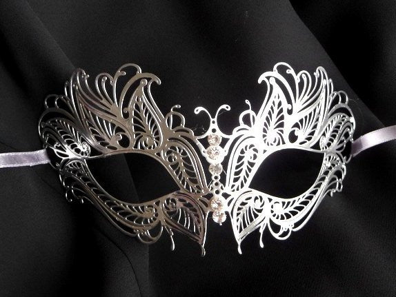 Filigree metal princess eye mask Silver