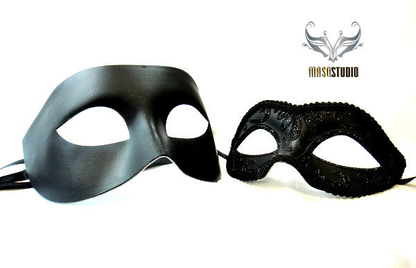 Classic Venetian Couple Black Masquerade Mask Set A