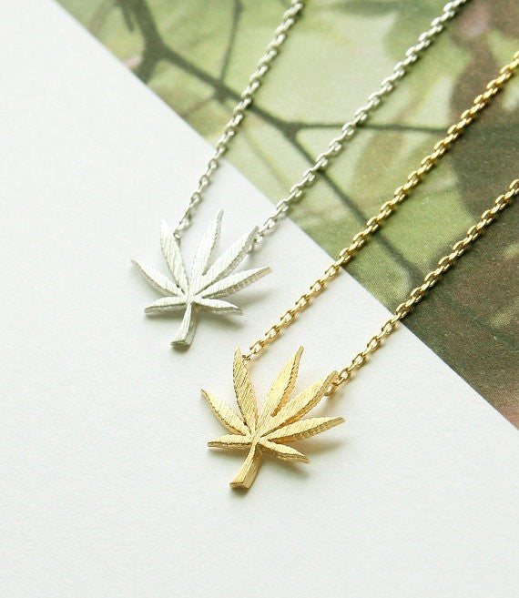 Mary Jane Leaf Necklace - Fierce Finds Mobile Boutique  - 3