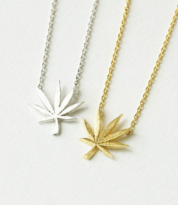 Mary Jane Leaf Necklace - Fierce Finds Mobile Boutique  - 2