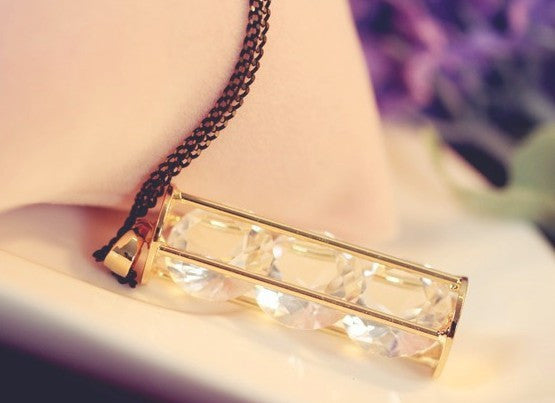 Hourglass of Crystal Necklace - Fierce Finds Mobile Boutique  - 5