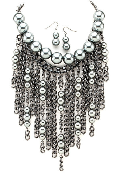 Chained Pearl Necklace - Fierce Finds Mobile Boutique  - 4