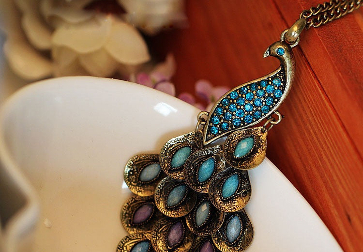 Peacock Necklace - Fierce Finds Mobile Boutique  - 3