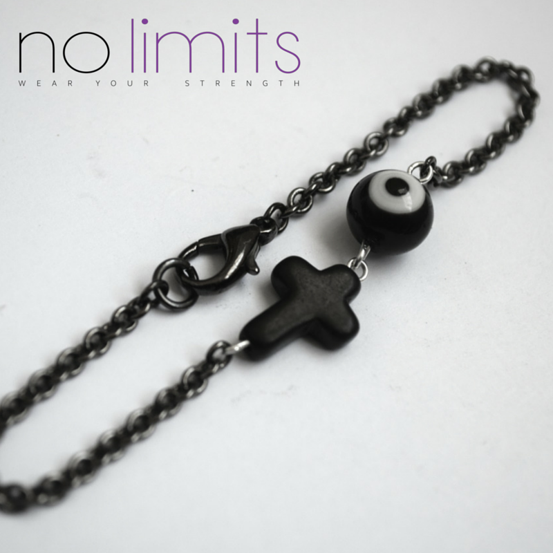 Watch over me / Fine Chain Crucifix Bracelet