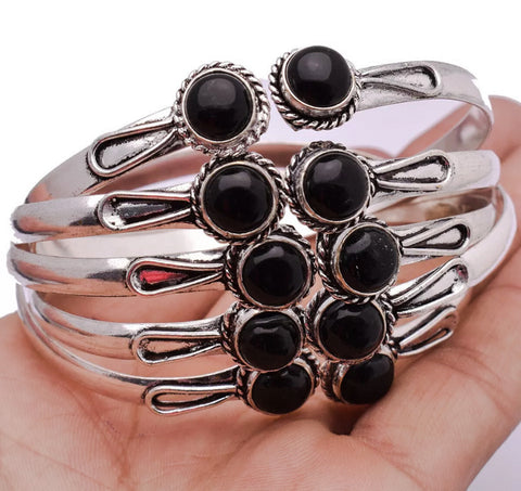 Onyx Cabochon Bangle