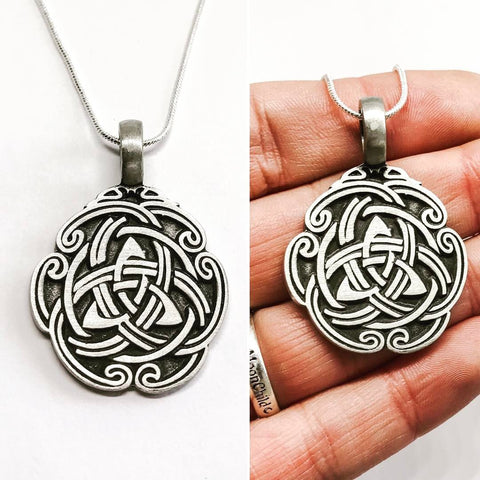 Jewellery,Witch & Spell Craft Silver Plated Chain Knot Work Triquetra Necklace