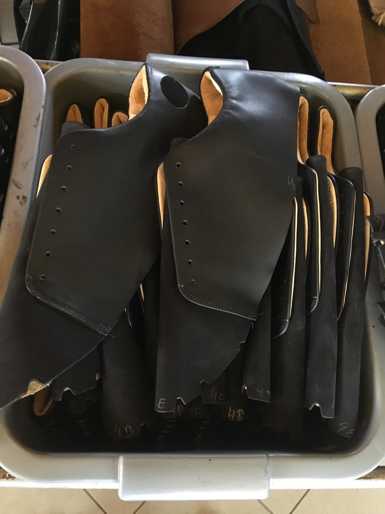 Black leather for Atheist shoes, naturally dyed