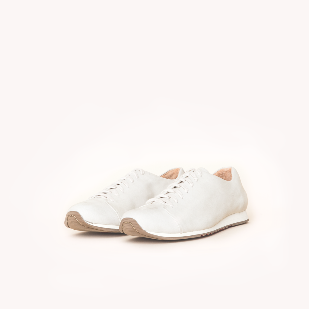 Atheist shoes - Das Cream Sneaker with white laces. Ridiculously comfortable nubuck leather sneakers, designed in Berlin and handmade in Portugal.