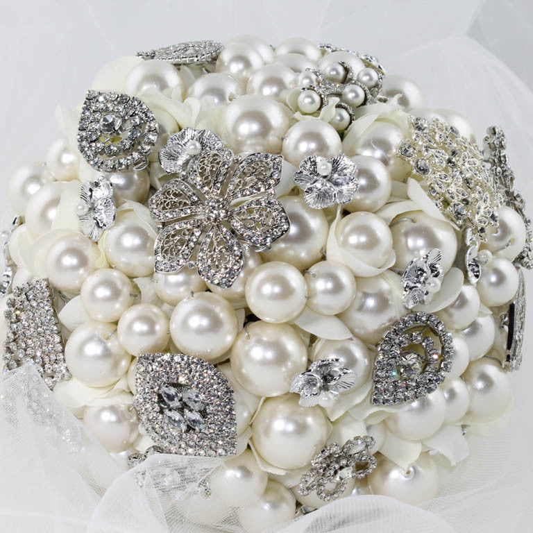 ELOISE Brooch Bouquet
