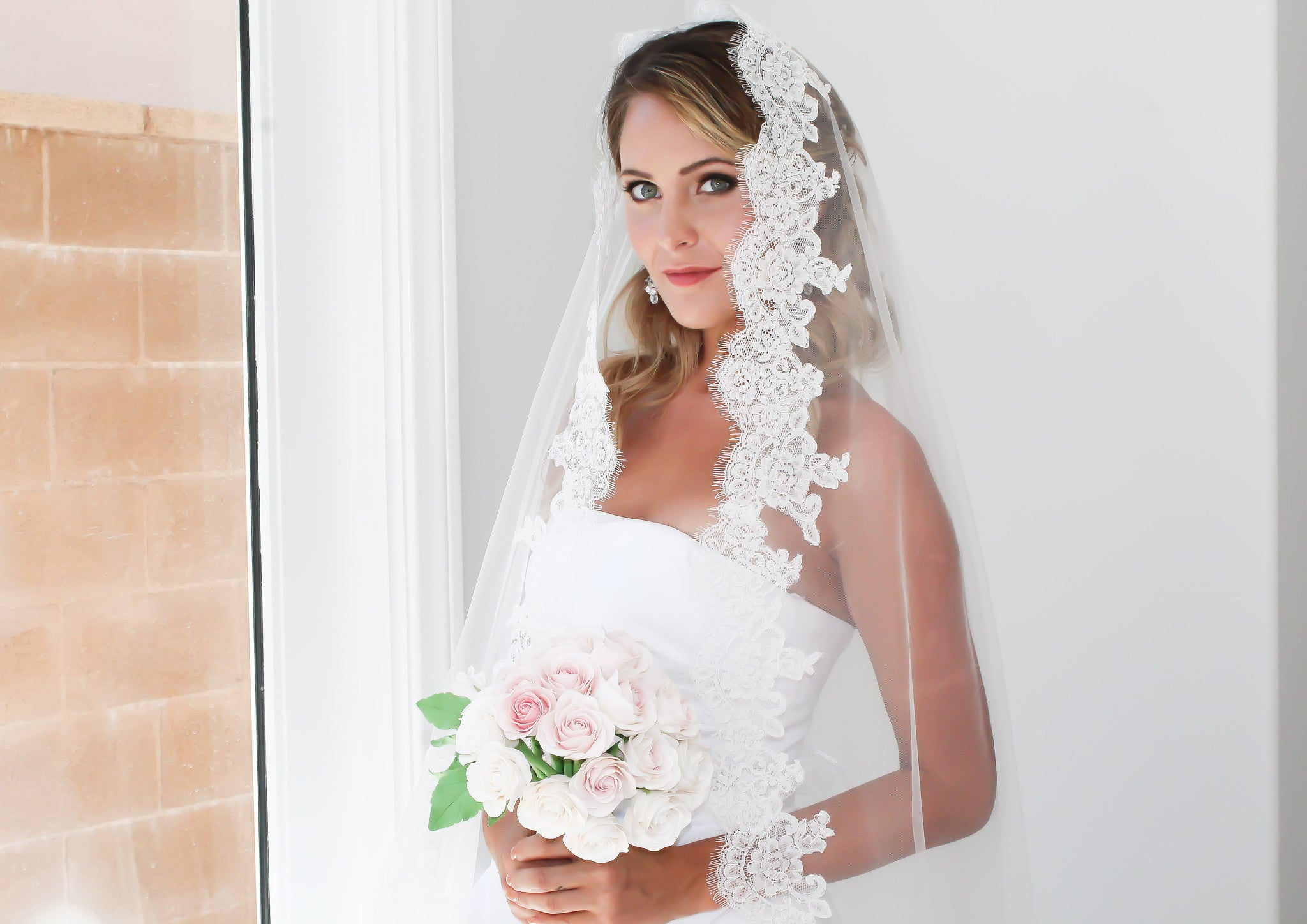 Wedding Veil Handmade with Beautiful Bridal Illusion Tulle and Lace - Bride Glamor