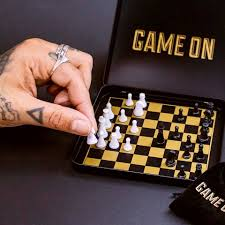 GAME ON MINI CHESS SET