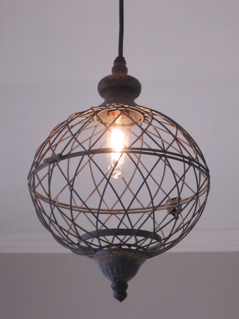 Wire Medium Metal Globe Pendant Light