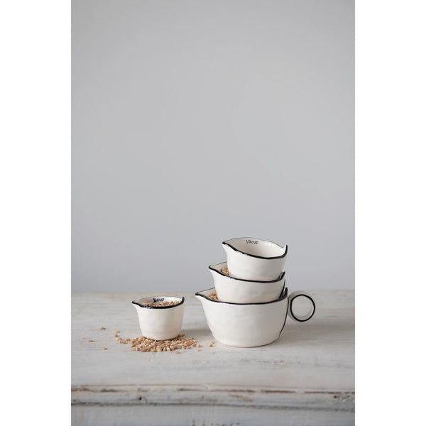 Black and White Measuring Cups