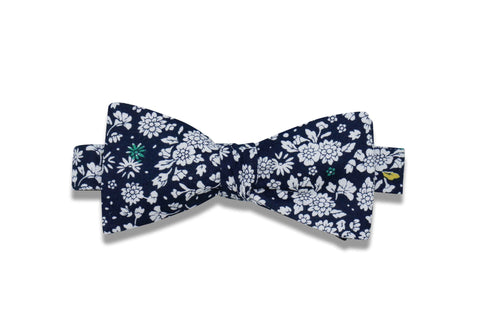 Evening Flowers Cotton Bow Tie (pre-tied)