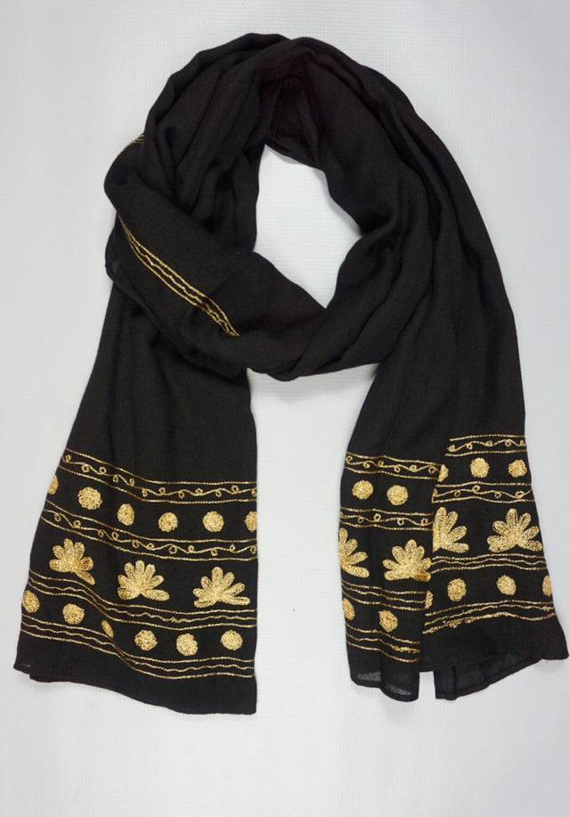 traditional_middle_eastern_scarf_worn_by_women