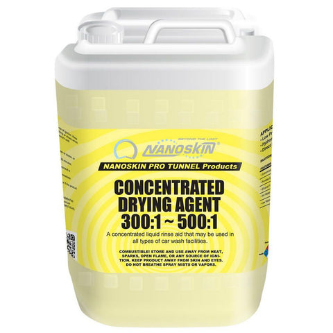 • Economical • Provides Excellent Shine • Silicone Free • Hot Water Compatible • Low Viscosity • Use at dilutions up to 300:1 • Produces a high quality shine on all vehicle surfaces • Will not smear or streak glass surfaces • May be used with hot water to increase performance qualities • Thinned formulation allows for easy dispensing of concentrate