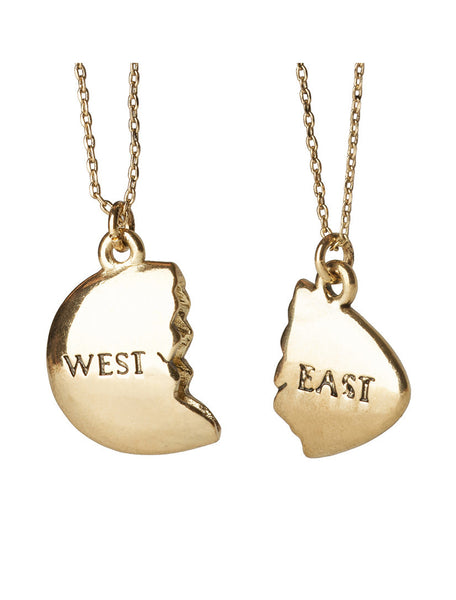 East and West Egg: Gold necklace