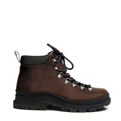 The Weekend Boot Classic Brown