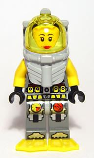 LEGO Minifigure-Atlantis Diver 5 - Samantha Rhodes - With Yellow Flippers and Trans-Yellow Visor-Atlantis-ATL022-Creative Brick Builders
