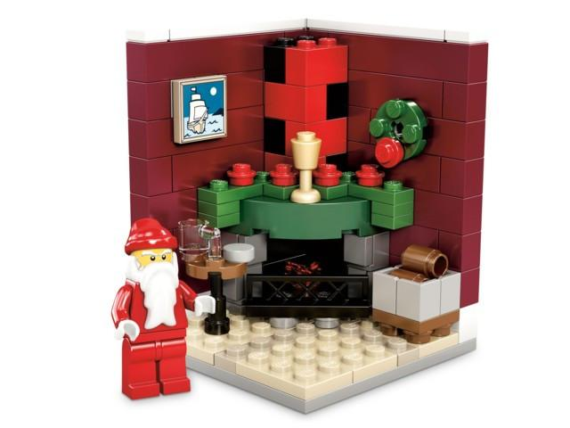LEGO Set-Fire Place Scene - Limited Edition Holiday Set (2011)-Holiday / Christmas-3300002-1-Creative Brick Builders