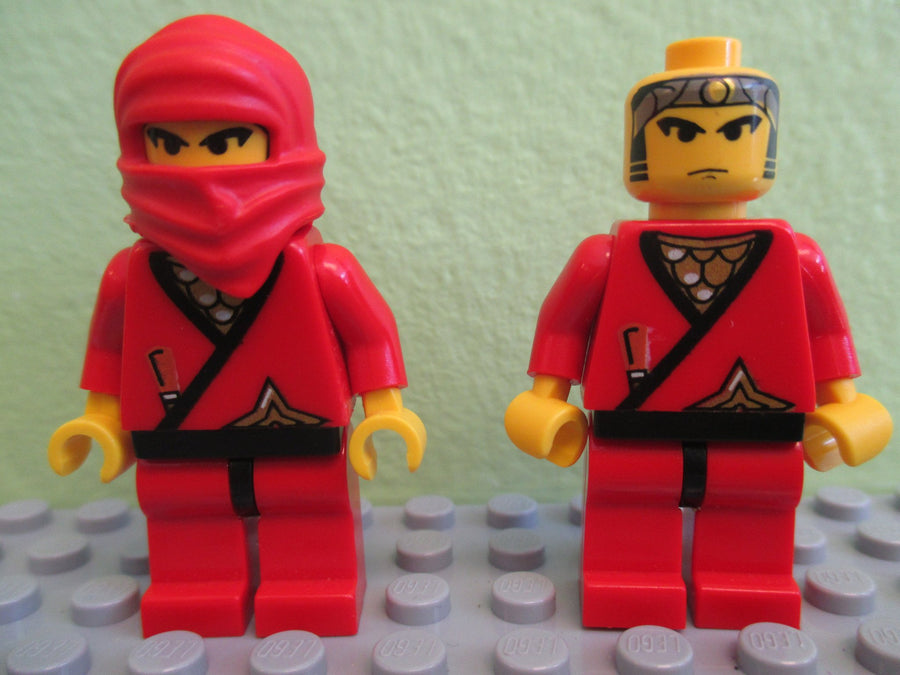 LEGO Minifigure-Ninja - Red-Ninja-CAS050-Creative Brick Builders