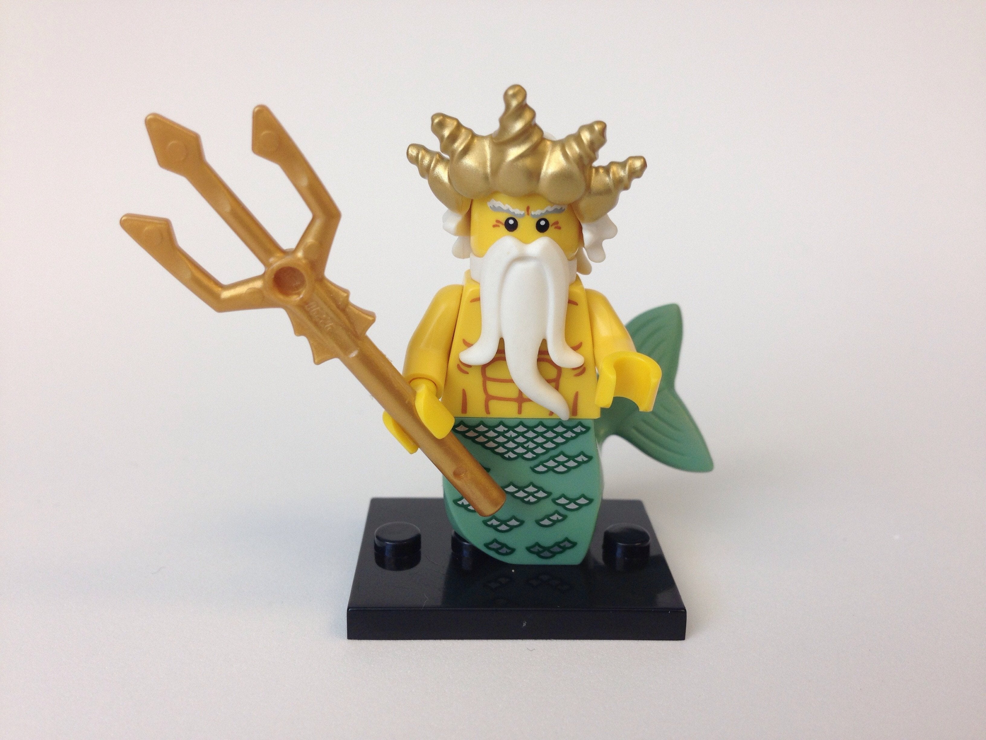 Lego Ocean King Minifigure Series 7 CMF with Trident