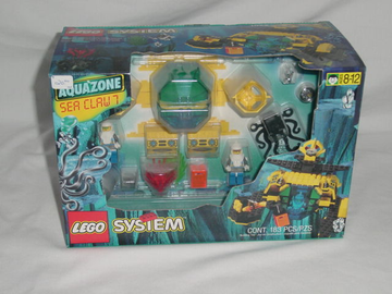 LEGO Set-Sea Creeper (with Stingray Baseplate, Raised)-Aquazone / Stingrays-6109-1-Creative Brick Builders