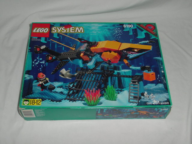 LEGO Set-Shark's Crystal Cave-Aquazone / Aquasharks-6190-4-Creative Brick Builders