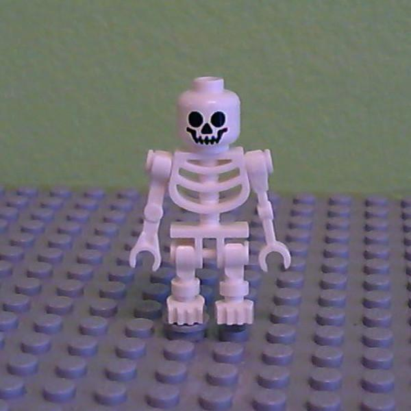LEGO Minifigure-Skeleton, Fantasy Era Torso with Standard Skull, Mechanical Arms Straight-(Minifigure: Other)-GEN019-Creative Brick Builders