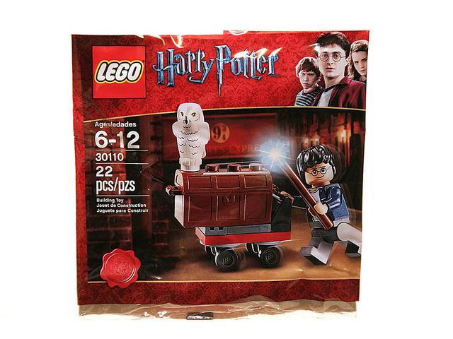 LEGO Set-Trolley (Polybag)-Harry Potter-30110-1-Creative Brick Builders