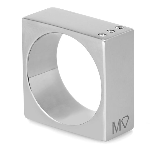 Square ring w/diamonds