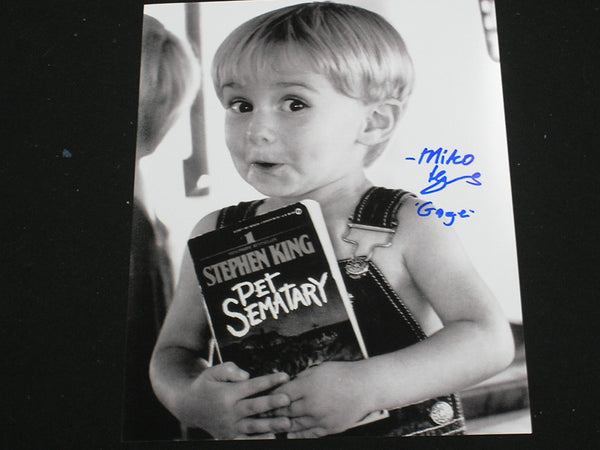 MIKO HUGHES Signed 8x10 Photo Gage PET SEMATARY Autograph B - HorrorAutographs.com