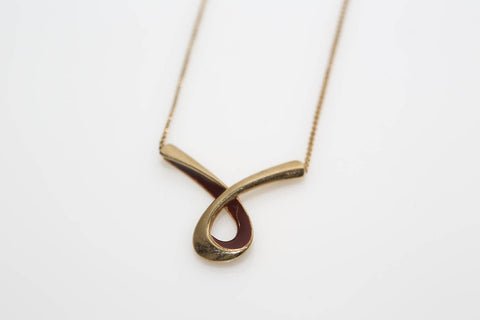 Enamel Ribbon Necklace