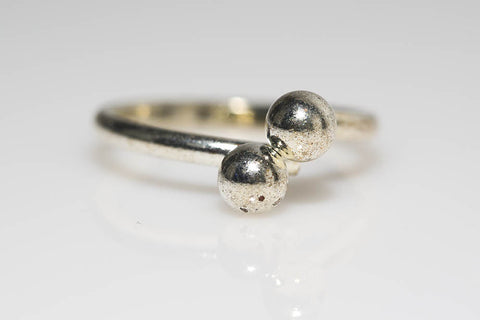 Two Sphere Ring