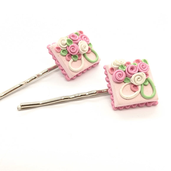 Dollhouse cake bobby pins