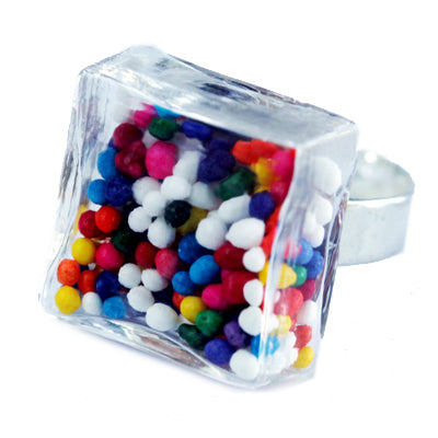 Glass cube cake sprinkles ring