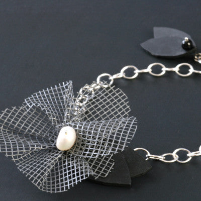 Screen flower bracelet - Amy Jewelry