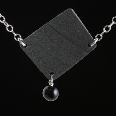 Single-link vinyl record necklace with onyx bead - Amy Jewelry