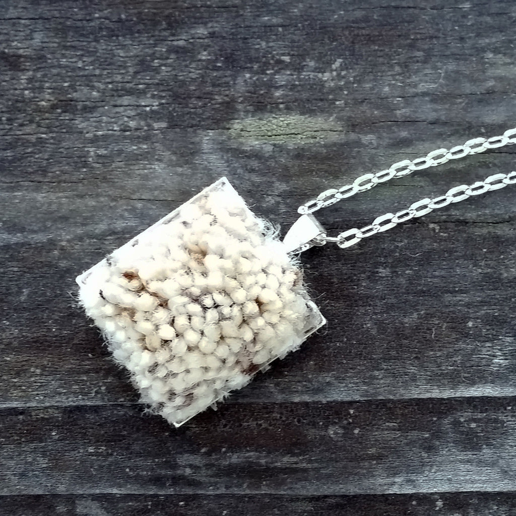 Photo of silver-plated carpet pendant