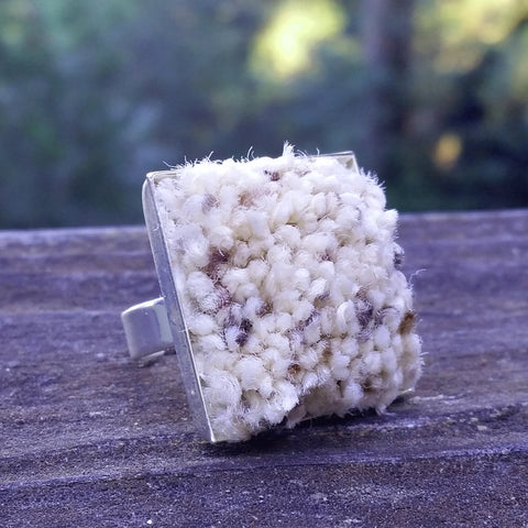Silver-plated carpet ring