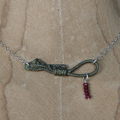 Clue rope necklace