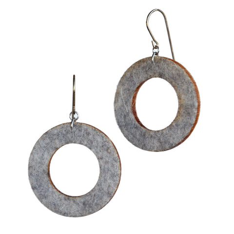 Wool felt small single-loop earrings